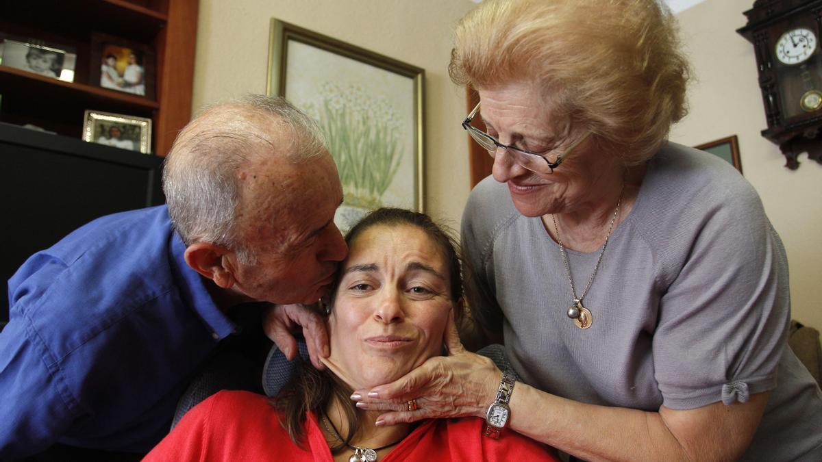 María José, con sus padres