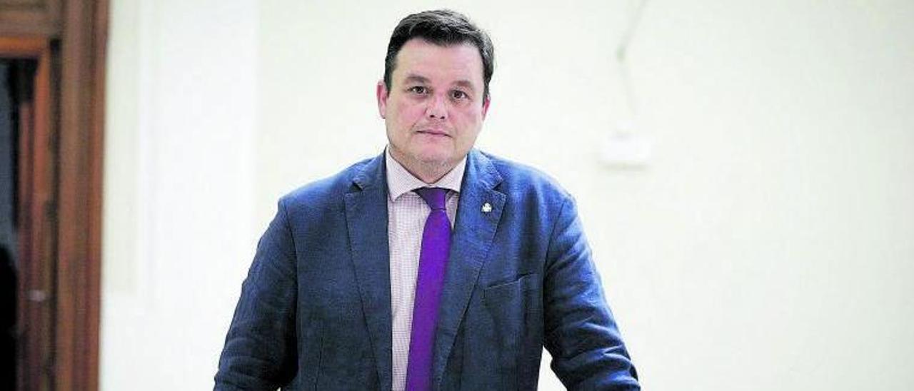 Víctor Francos, en la Delegación del Gobierno en Balears.   MANU MIELNIEZUK