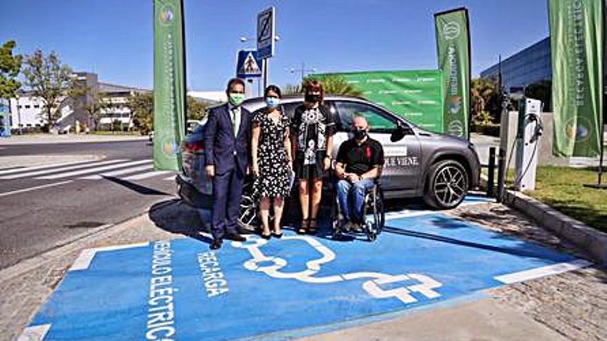 Entran en servicio los primeros puntos de recarga para coches eléctricos