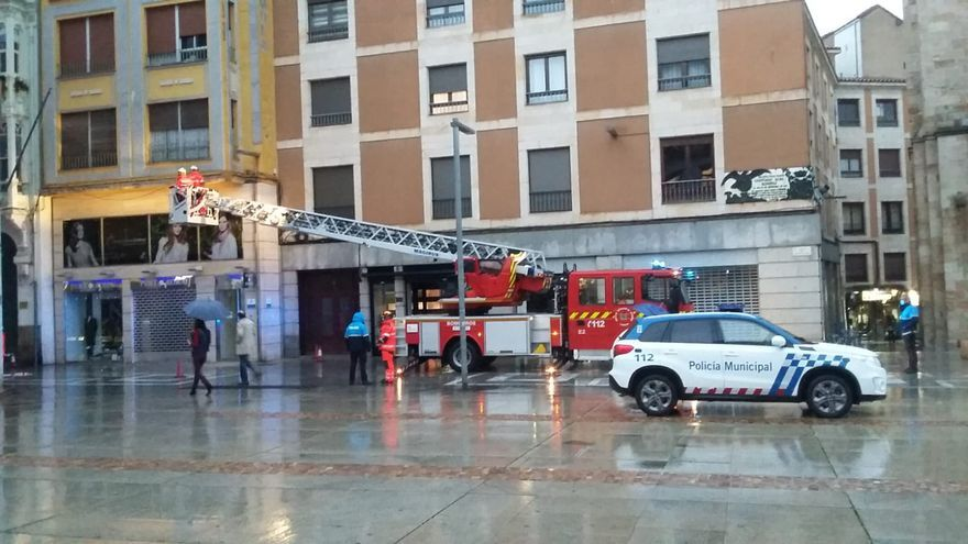 Primeros efectos de la lluvia en Zamora: desprendimientos en Santa Clara