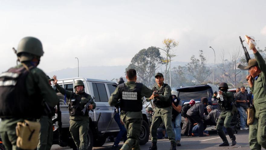 Jornada de tensión y manifestaciones en Venezuela tras el alzamiento militar