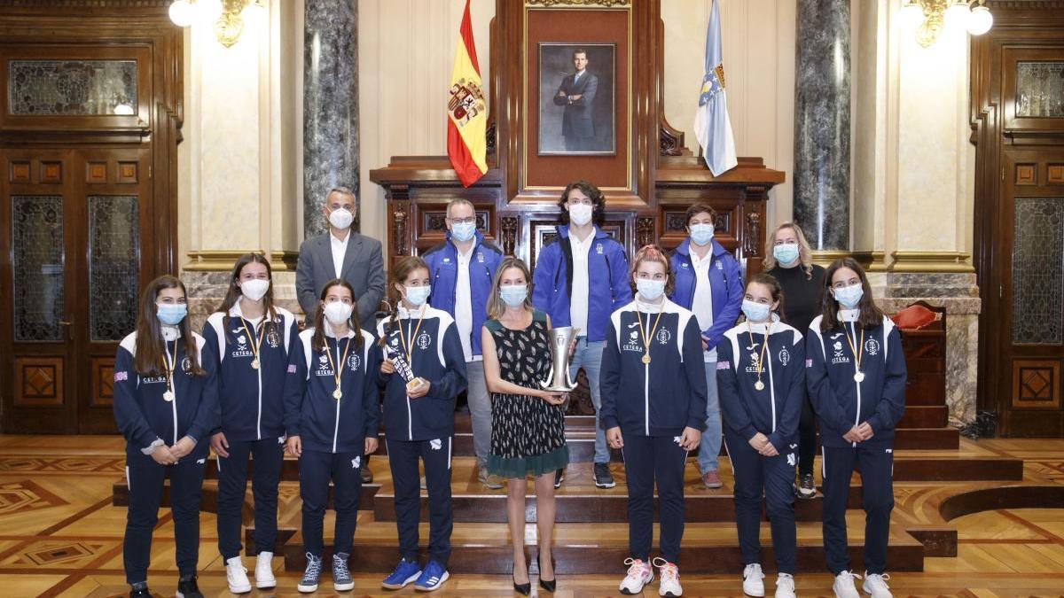 A Coruña homenajea a las campeonas de España de hockey hierba sub-14