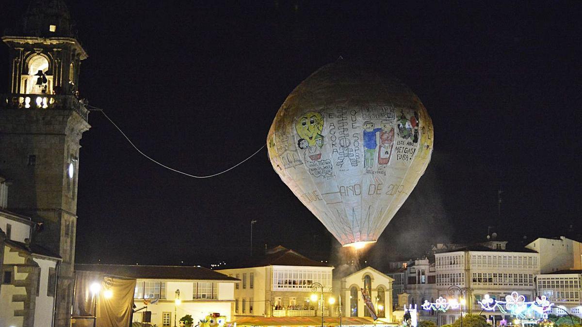 Lanzamiento del globo de Betanzos en 2019.     // ARCAY / ROLLER AGENCIA