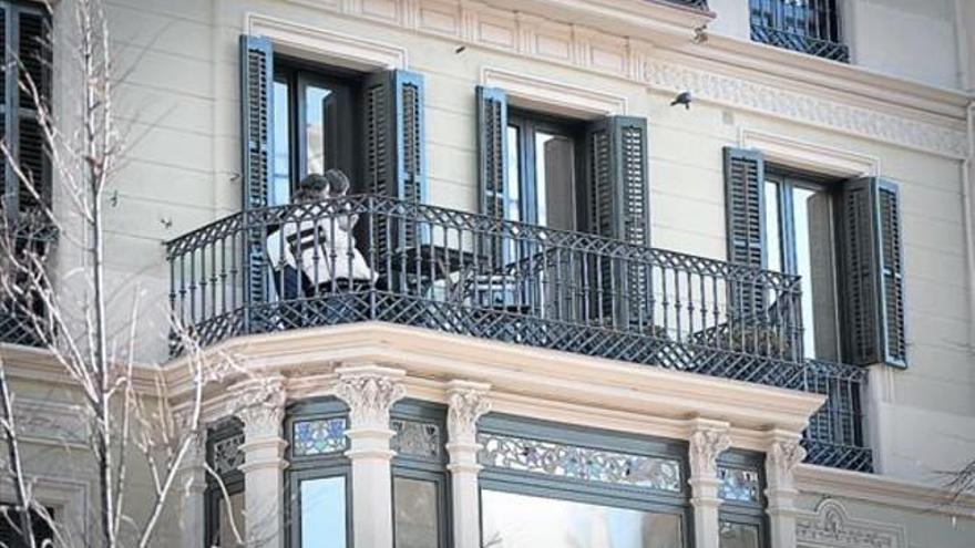 Los españoles son los turistas europeos que más normas se saltan en los hoteles