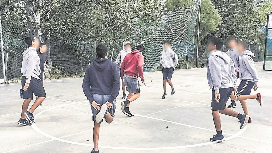 Los centros de menores extranjeros no acompañados atienden a 22 niños menos