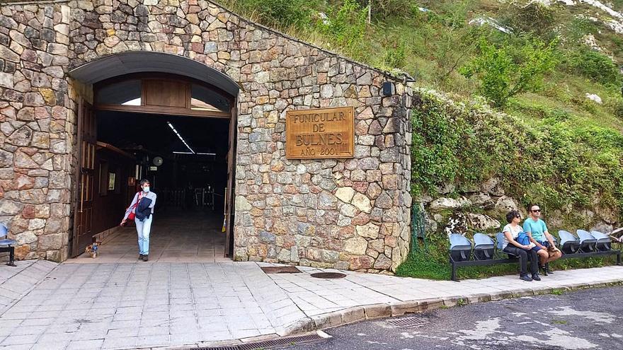 """Veinte años del funicular que cambió Bulnes: """"Fue para bien, ayudó y trajo turismo"""""""