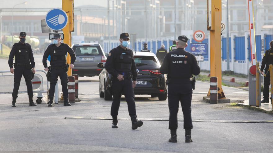 La juez prohibe a la cúpula de Alu Ibérica la salida de España y les retira el pasaporte