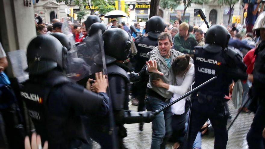 L'Audiència rebutja investigar els caps d'antiavalots i Informació del CNP per les càrregues de l'1-O a Barcelona