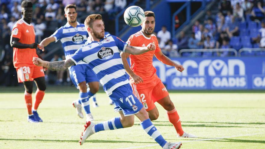 El Oviedo cae en Riazor en un partido loco