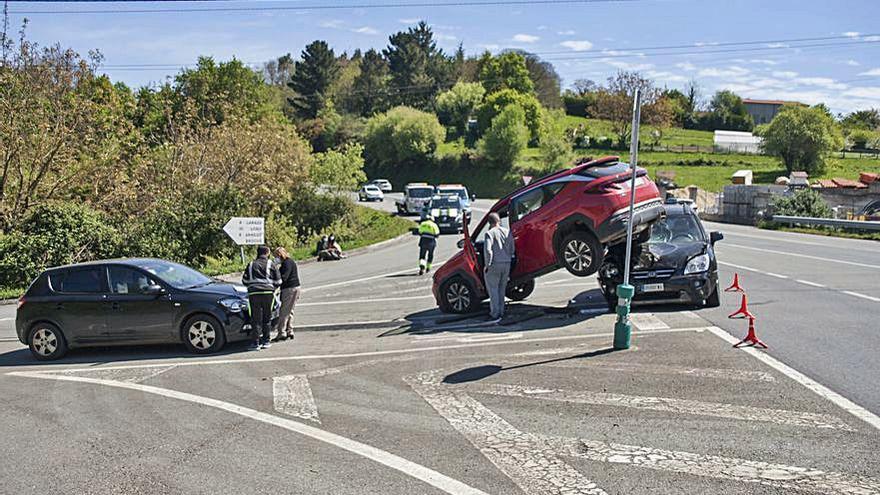 Triple colisión en de Vila de Cruces sin heridos
