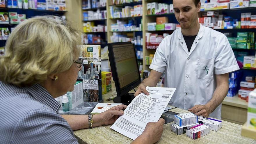 Los pensionistas murcianos dejarán de pagar de más por sus medicinas