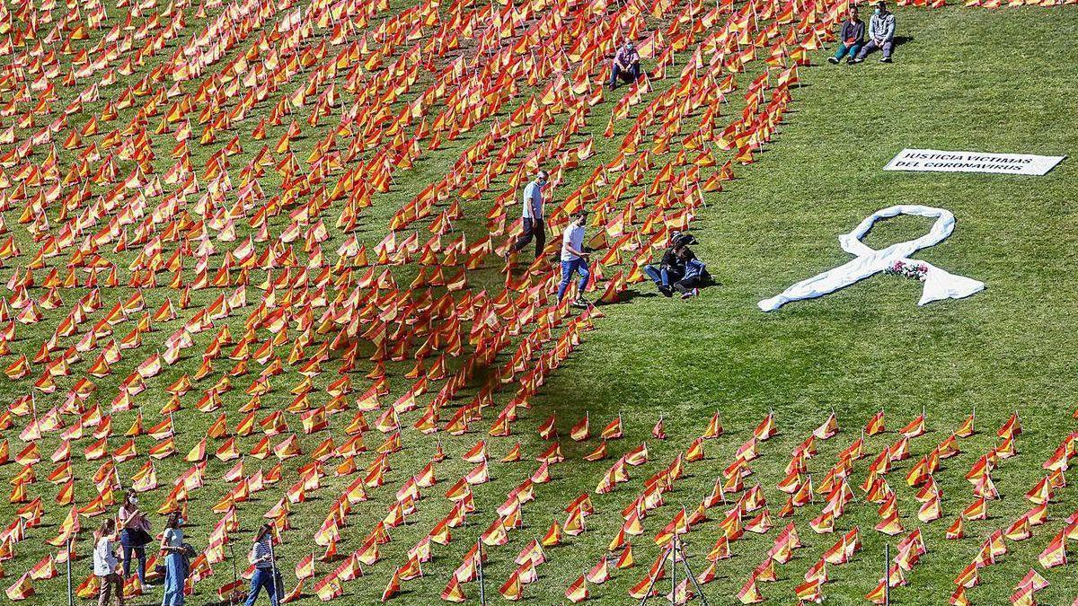 50.000 banderas de España por las víctimas