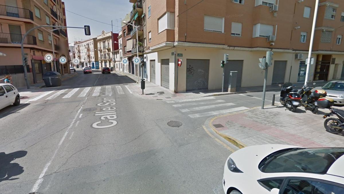 Esquina de la calle San Antonio con Profesor Manuel Broseta de Mislata, donde ocurrió el intento de secuestro.