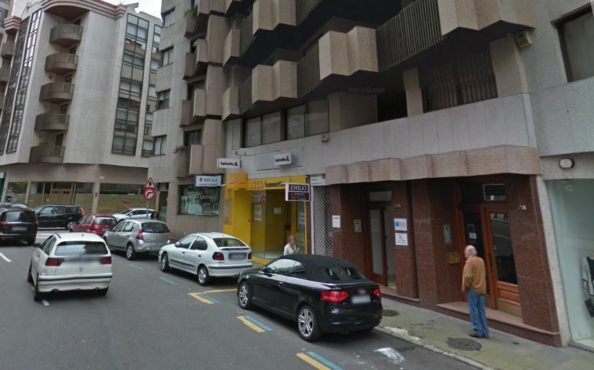 Álvaro Cunqueiro - La renovación de la acera exterior de la calle recibirá 1,6 millones de euros que permitirán completar todo el perímetro.