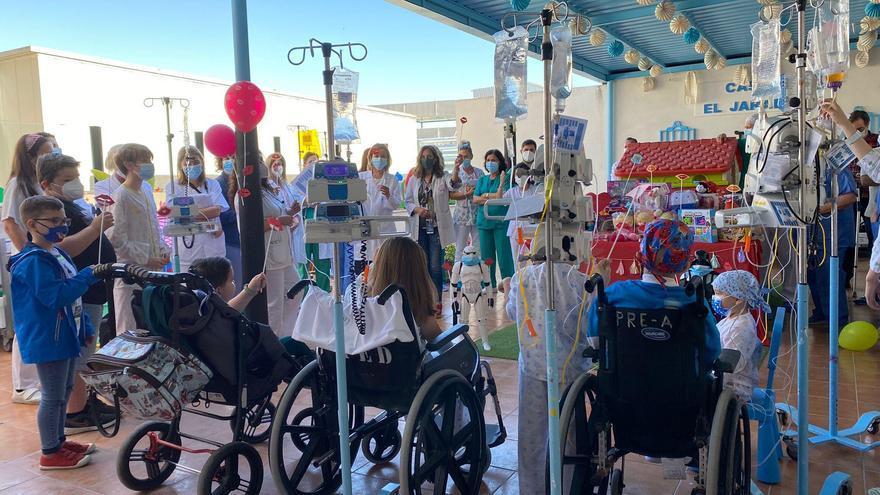 El hospital Reina Sofía celebra el Día del Niño Hospitalizado con actividades especiales