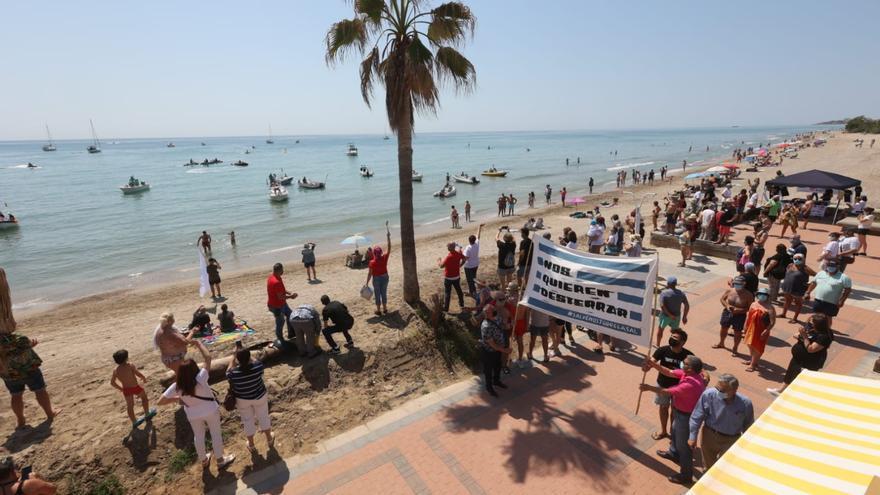 Protesta en el poblado de Torrelasal