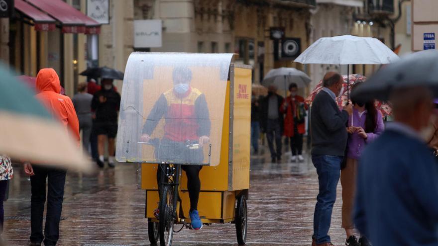 Málaga baja a riesgo amarillo por las lluvias