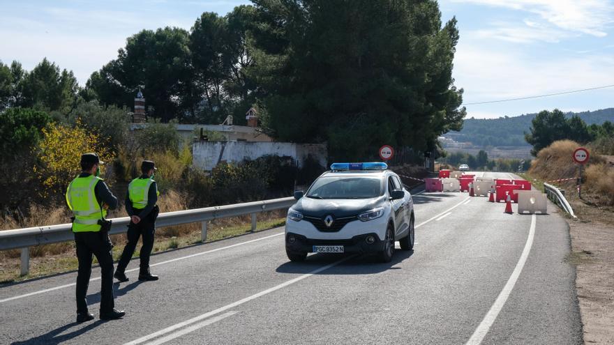La Guardia Civil desarticula en Ibi y Sax un grupo que abastecía de droga a toda la provincia