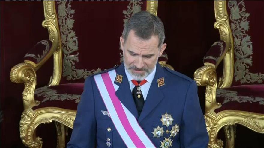 """El Rey elogia """"el compromiso con la Constitución"""" de los militares en la Pascua Militar"""