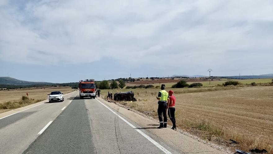 Mueren dos personas en la N-122 en Valdegeña, Soria