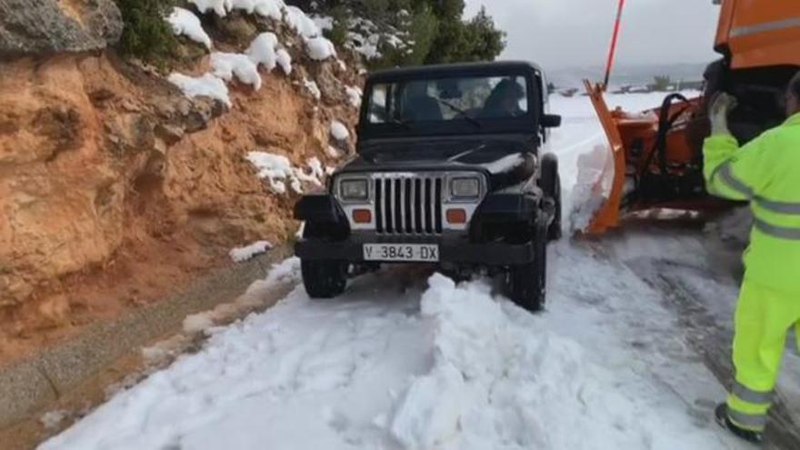 La CV-35 no llega a Ademuz porque la nieve bloquea una vía en tierra de nadie