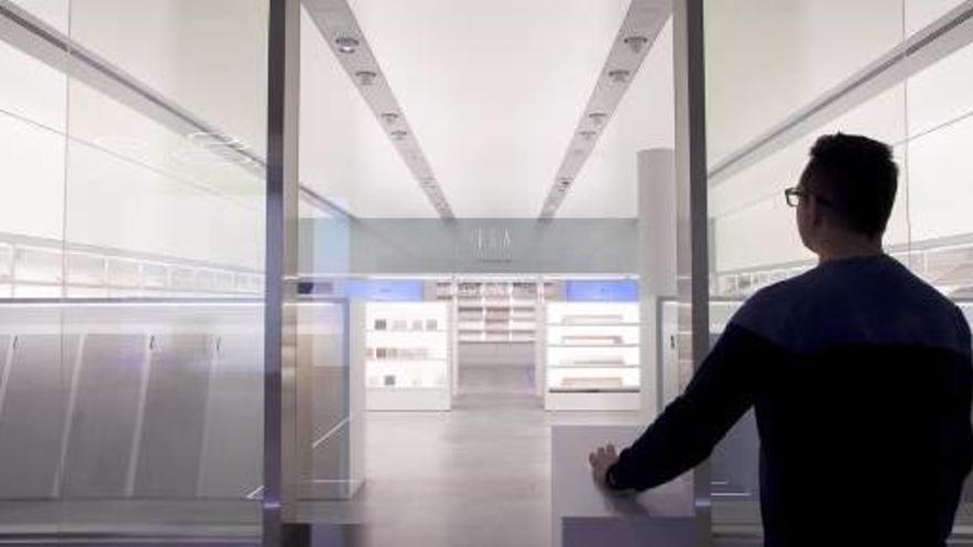 Porcelanosa crea un asistente virtual que guía al usuario por su «showroom» central