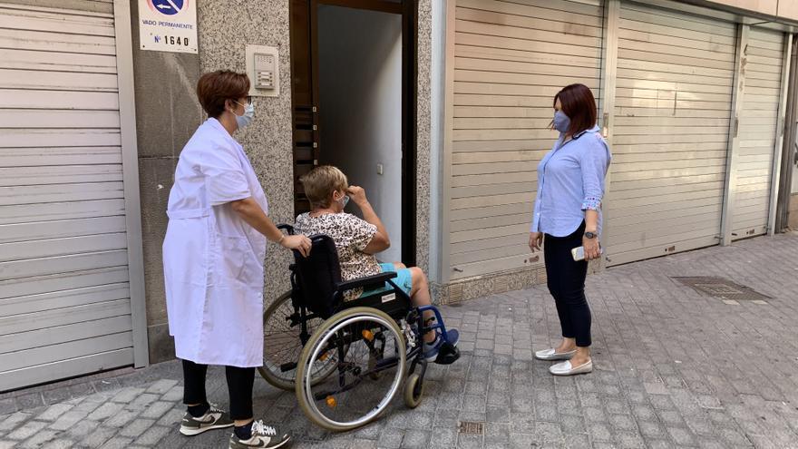 El servicio de ayuda a domicilio atiende a más de 3.500 mayores y dependientes