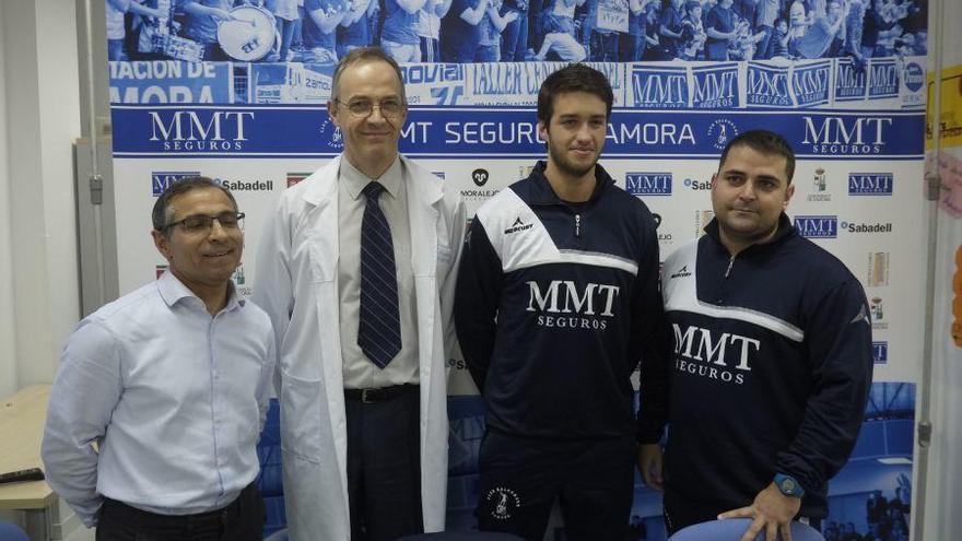 Fafa Cangiani, con el equipo técnico y responsables de Estemedic.