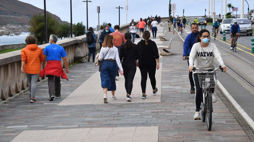 A Coruña rompe la tendencia a la baja al repuntar los contagios y casos de COVID