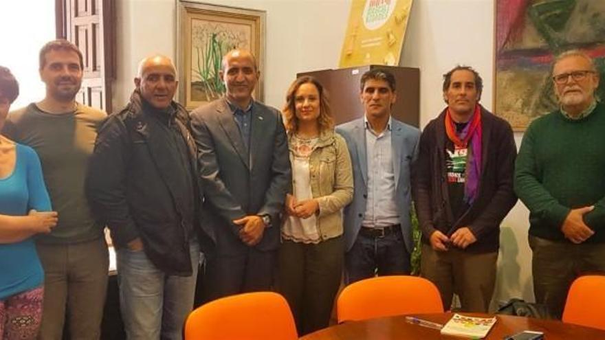 El Ayuntamiento recibe a una delegación de los campamentos de refugiados saharauis