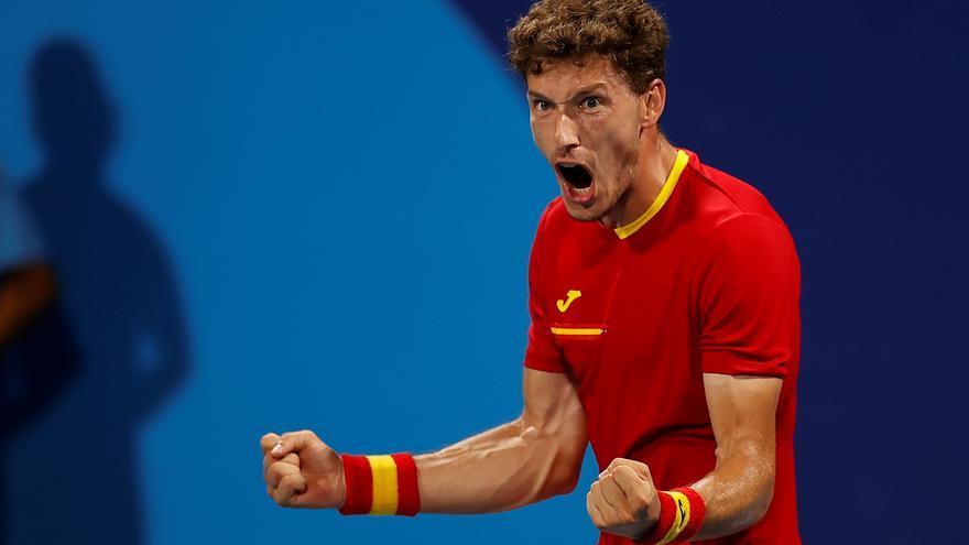 Pablo Carreño elimina al número dos mundial, Medvedev, y competirá por las medallas