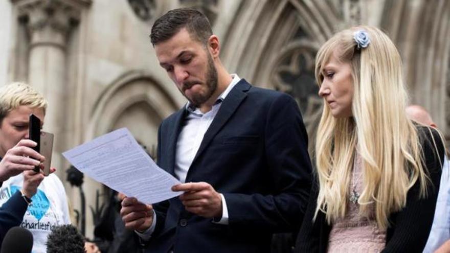 Los padres del bebé Charlie ponen fin a su batalla legal