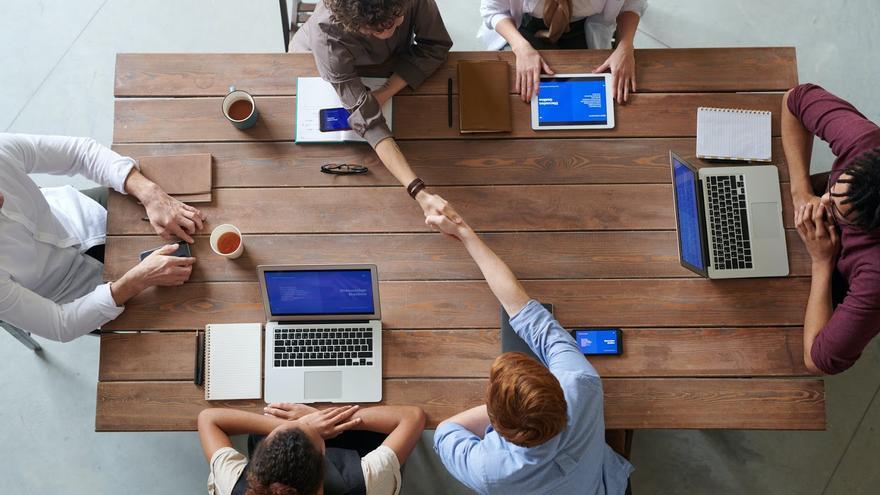 ¿Por qué colegiarse? 5 beneficios para los profesionales