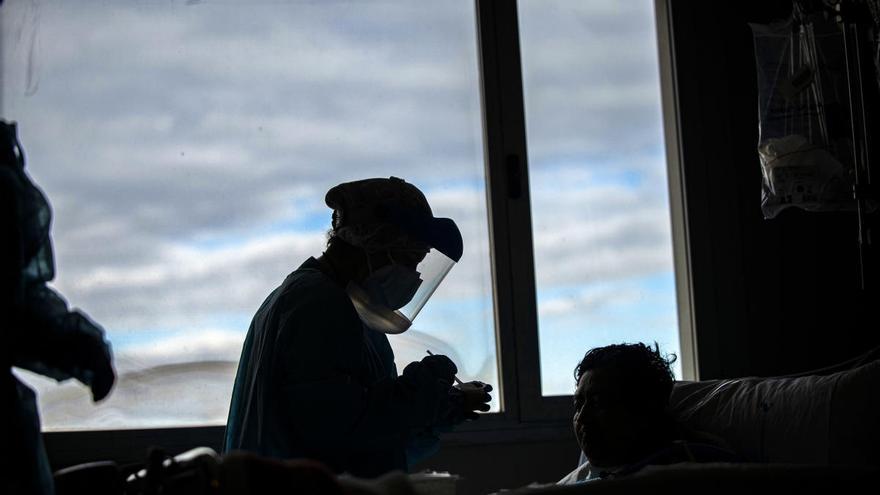 29 fallecidos ayer por coronavirus en la Región y 175 personas aún en la UCI