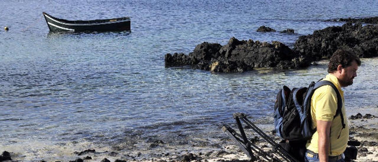 Patera abandonada sin detectar por el SIVE en el norte de Lanzarote.