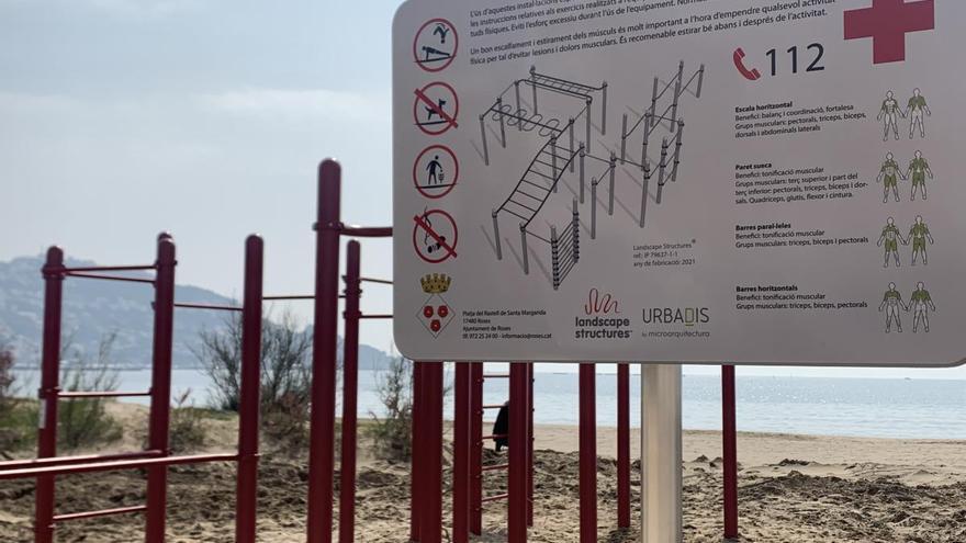 La platja de Santa Margarida de Roses augmenta la seva oferta esportiva