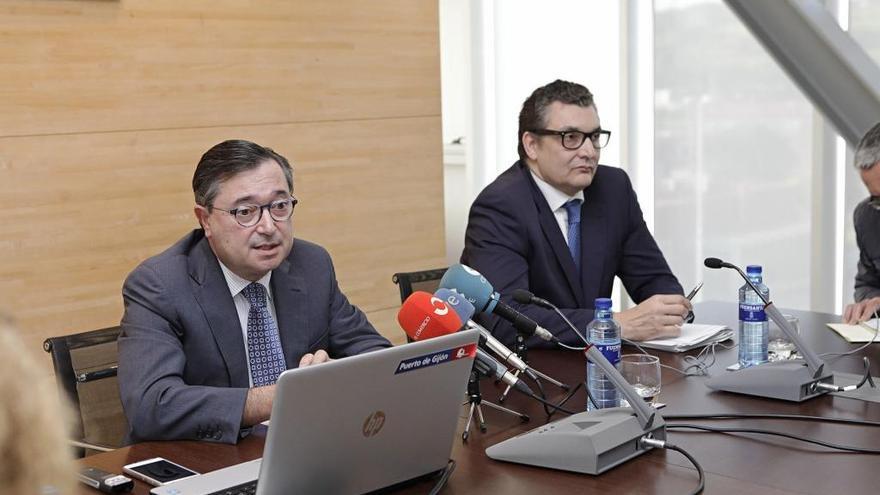 El Consejo de El Musel destituirá mañana a José Luis Barettino como director