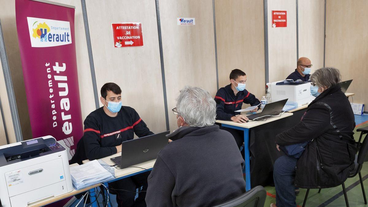 Un centro de vacunación en el sur de Francia