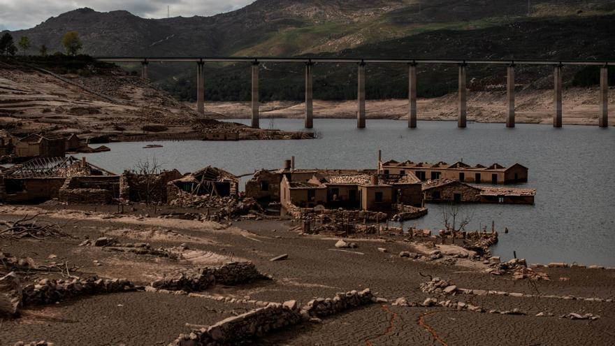 El pueblo gallego sumergido bajo agua que causó una revuelta vuelve a asomar