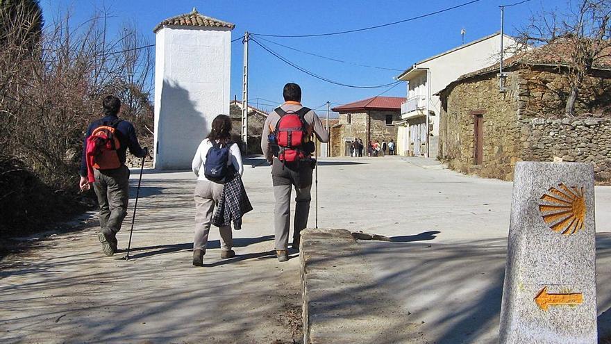 La Policía Nacional de Zamora apoya la vigilancia del Camino de Santiago