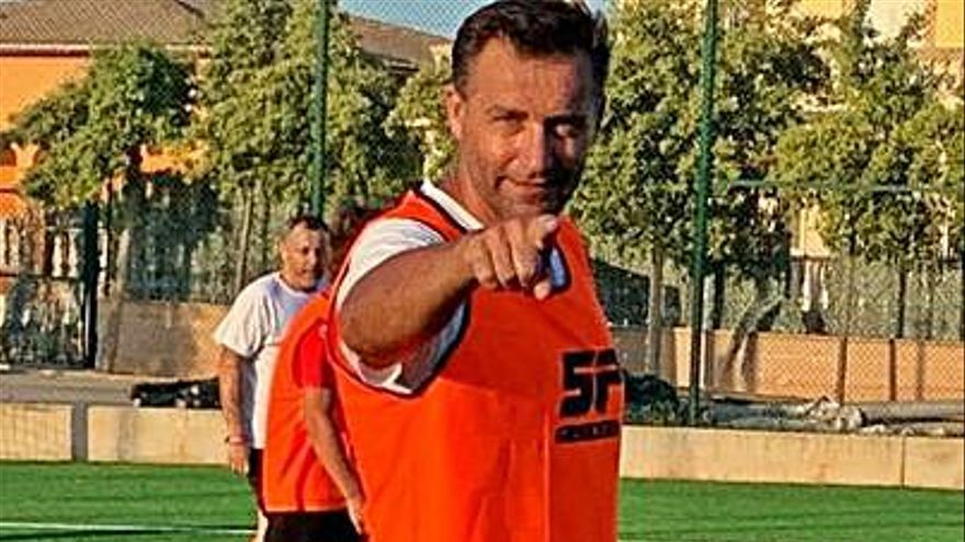 El exazul Paco Sanz, ingresado en Madrid