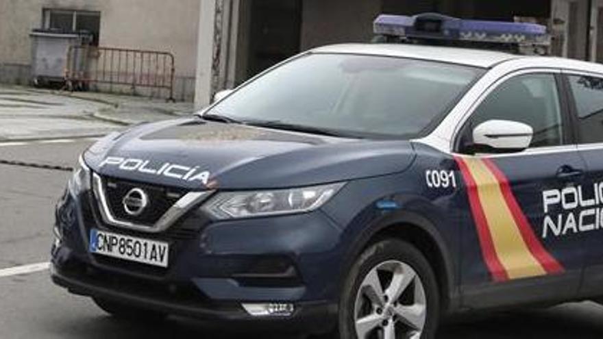 Policías persiguiendo a ciudadanos que no sabían el resultado de su PCR y concentraciones en varias zonas: fin de semana de incumplimientos en Asturias