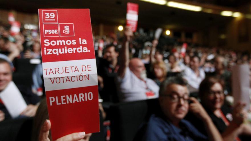 Pedro Sánchez incorpora a cuatro murcianos en el Comité Federal
