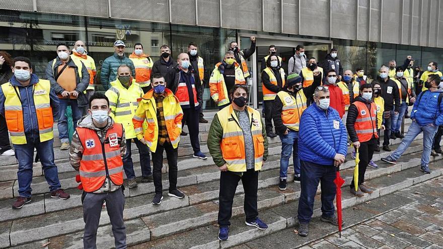 Cent dies de vaga dels treballadors del transport sanitari de Catalunya