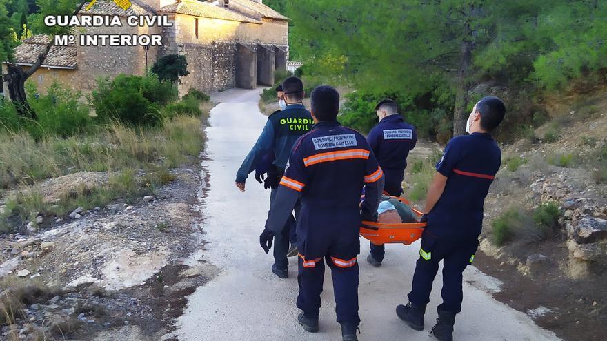 Rescatan a un anciano perdido y desorientado tras caerse por un barranco en L' Alcora