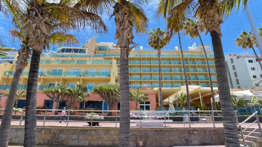 Continúa el goteo de cierres: la cadena Bull clausura tres de sus hoteles