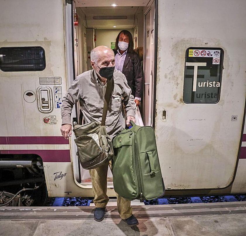 Llegada de Antonio López a la estación. | Irma Collín