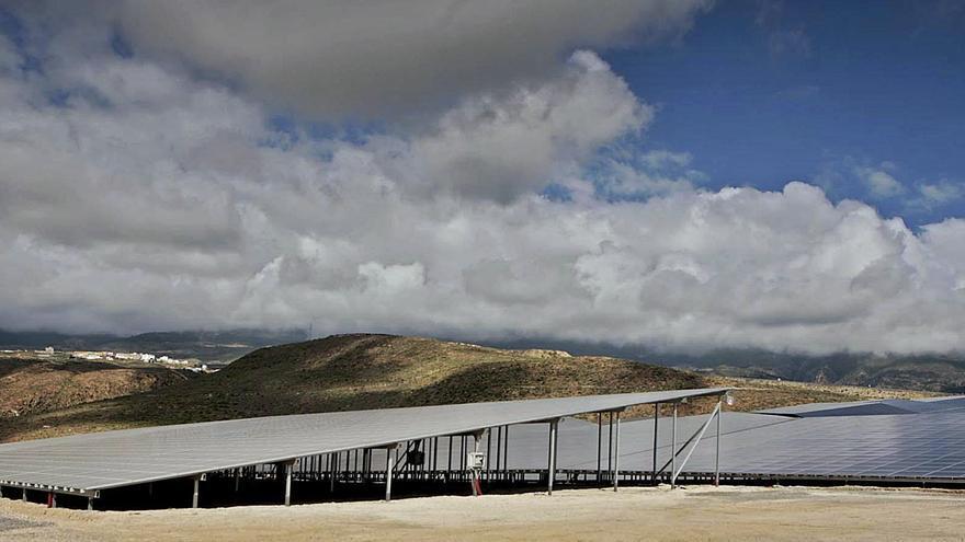 La Isla apuesta por la energía fotovoltaica en edificios públicos con fondos de la UE