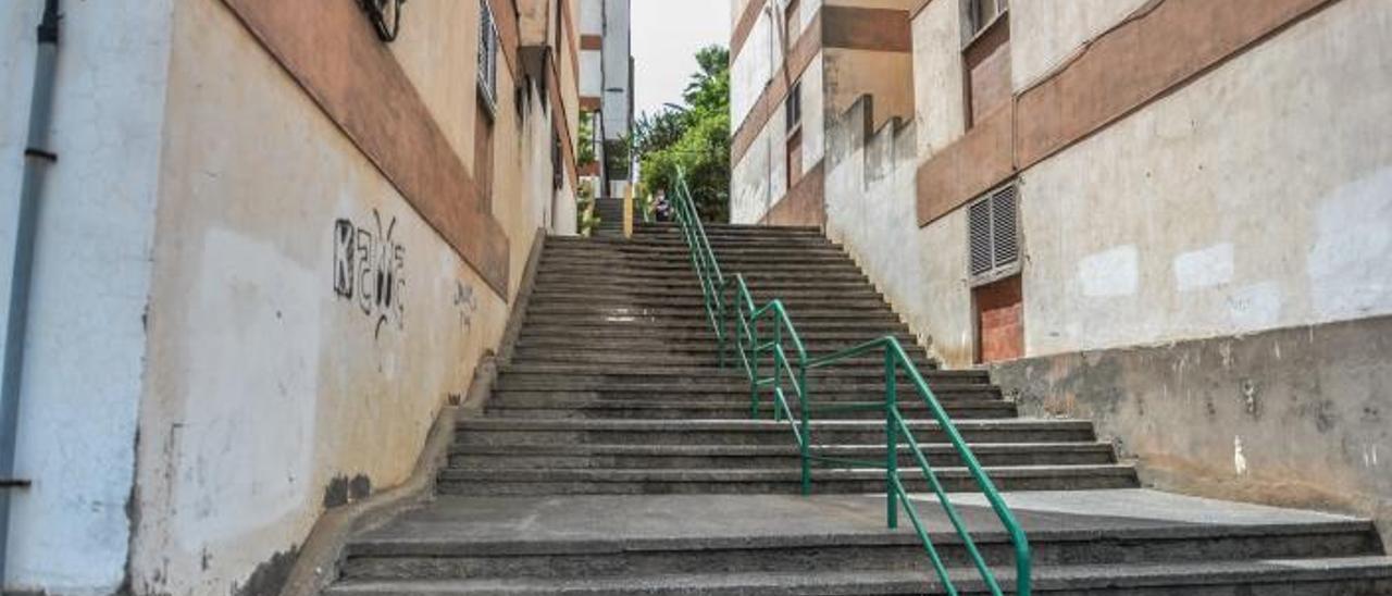 Escaleras de La Paterna donde la asociación de vecinos propone la creación de escaleras mecánicas. | | JOSÉ CARLOS GUERRA