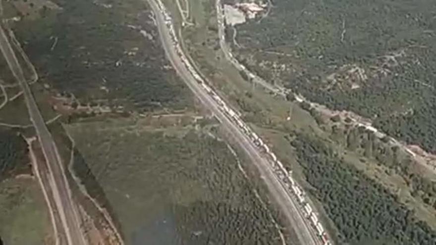 Una concentración a favor de Armenia corta la AP-7 en La Jonquera (Girona)